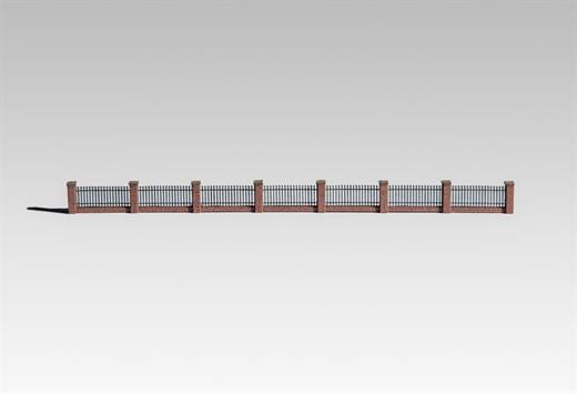 Archistories 817191 - Niedriger Zaun mit Pfeilern