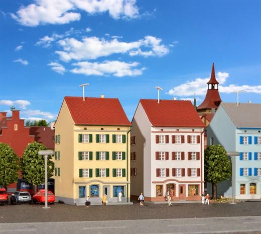 Kibri 36843 - Z Mehrstöckiges Wohnhaus mit Ladenge