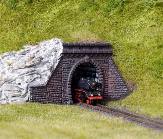 Kibri 36900 - Z Tunnelportale mit Roehre, eingleis