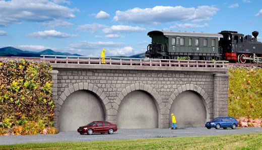 Kibri 37670 - N/Z Gemauerter Bahndamm, eingleisig