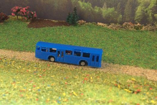 NoBa Modelle - 7150 Nahverkehrsbus MB O 305 - weis