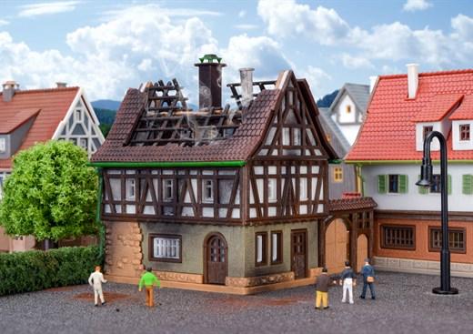 Vollmer 49538 - Z Brennendes Haus
