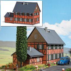 Busch 1657 - Wohnhaus H0